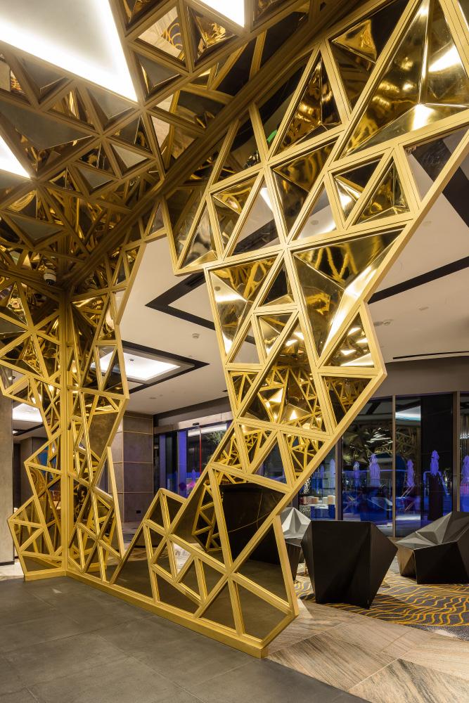 Sans Souci Lighting: W Hotel – The Palm Dubai